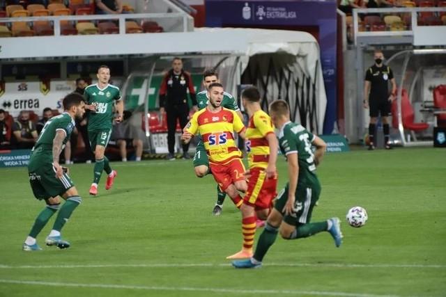 Andrej Kadlec (z numerem 2) opuszcza Żółto-Czerwonych