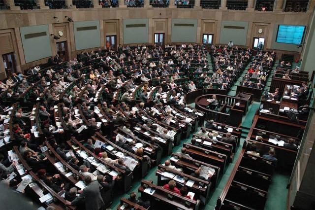 Spośród 1300 projektów ustaw Sejm uchwalił tylko 753 Na przemiał pójda te projekty ustaw, których parlament nie rozpatrzył w mijającej kadencji