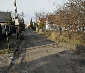 Mieszkańcy ulicy Gryczanej skarżą się na stan drogi.