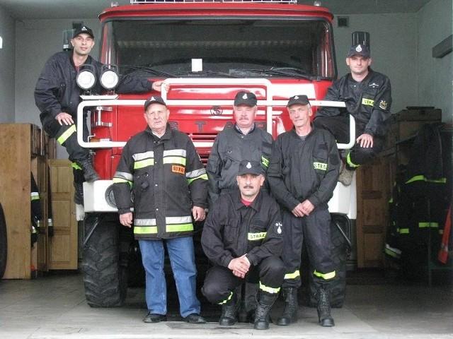 Strażacy z Ochotniczej Straży Pożarnej w Bronowicach są jak jedna wielka rodzina. W przenośni i dosłownie, bo sporo tu braci, ojców i synów.