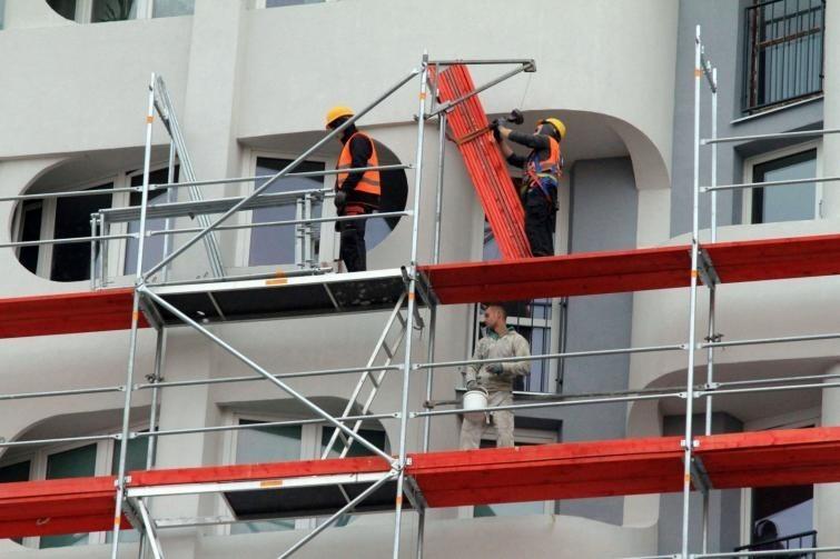 Wielu cudzoziemców pracuje w Polsce na budowach.