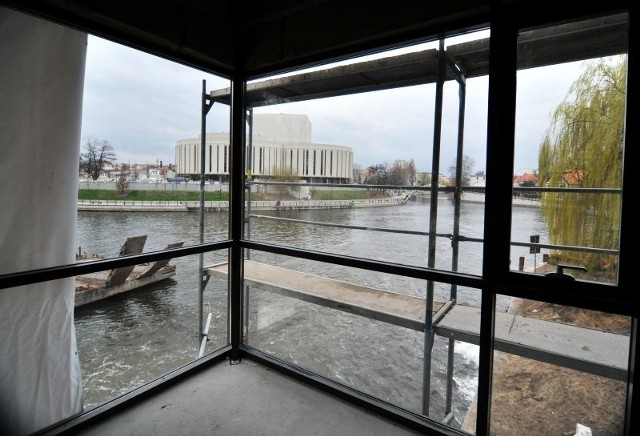Widok z sali konferencyjnej w marinie na Wyspie Młyńskiej w Bydgoszczy