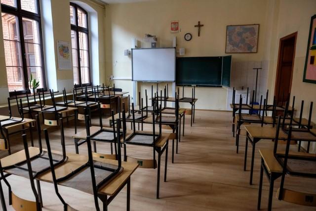 Szkoły z powodu koronawirusa zostały zamknięte 12 marca.