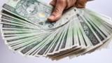 Właścicielka pieniędzy odnaleziona! Uczciwy mężczyzna oddał znalezioną kopertę na komendę