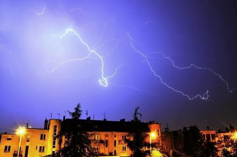 Ostrzeżenie przed burzami w Bydgoszczy i regionie - mają przyjść wcześniej