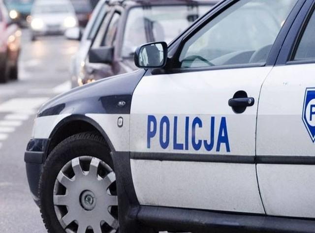 Policjanci pomogli mieszkańcom