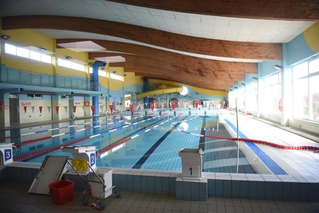 Zamknięte baseny sprawiły, że w kadrze narodowej przybyło pływaków (na zdjęciu basen w Świebodzinie).