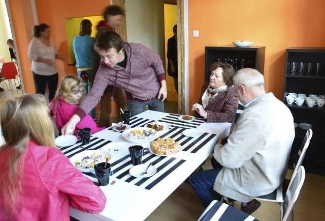Otwarcie Cafe Rynek poruszyło lokalną społeczność - z tej okazji przygotowano wiele atrakcji i darmowy poczęstunek