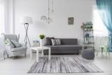 Urządzamy mieszkanie w bieli - z jakimi kolorami i materiałami łączyć biały