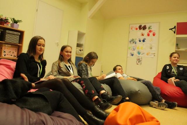Młodzież z gminy Płużnica chętnie angażuje się społecznie - na zdjęciu osoby z Młodzieżowej Rady Gminy Płużnica