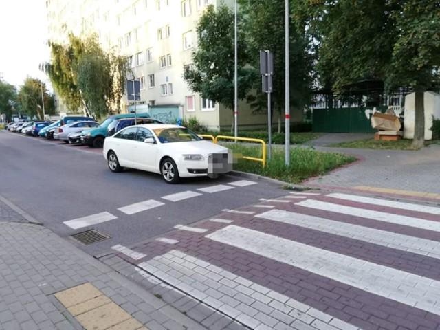 W takich sytuacjach straż miejska w Inowrocławiu stosuje pisemne zawiadomienia dla sprawców wykroczeń. Zobaczcie zdjęcia >>>>