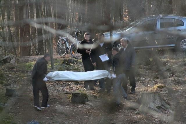 Ze stawku w Słupsku wyłowiono martwego człowieka
