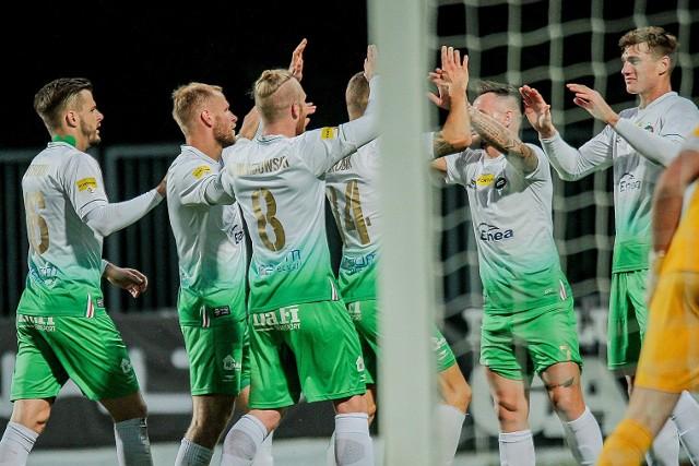 Piłkarze Radomiaka w środę 18 listopada zagrają z ŁKS Łódź przy nowym sztucznym oświetleniu. Początek meczu o godzinie 18.