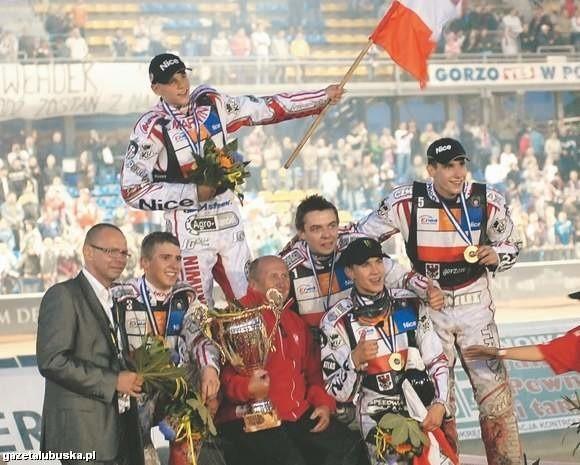 Rok temu Polacy świętowali sukces w Gorzowie Wlkp. Obronę tytułu nasi rozpoczną dziś w półfinale w czeskim Pilźnie.