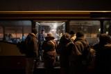 Wyrusza autobus dla bezdomnych. Gorąca zupa i herbata