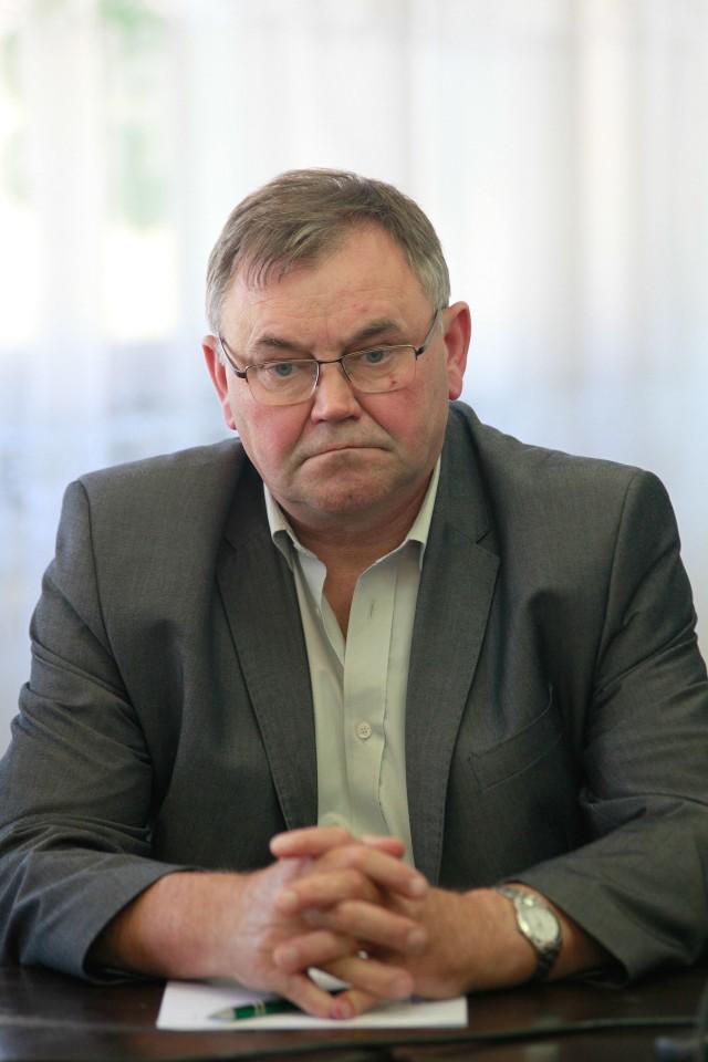 - Odnoszę wrażenie, że rząd PiS chce pomniejszać duże gospodarstwa - mówi Antoni Konopka.