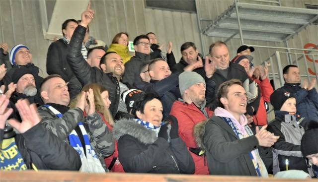 Kibice Re-Plast Unii Oświęcim mieli powody do zadowolenia, bo ich pupile pokonali GKS Katowice 2:1.