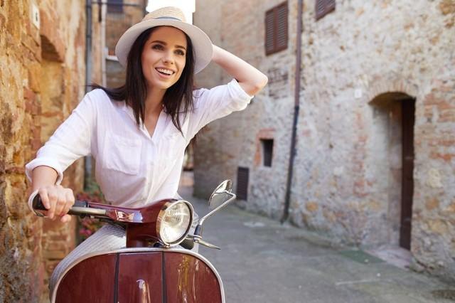Włochy to kraj, który może się poszczycić największą liczbą projektantów, stylistów i słynnych założycieli domów mody.
