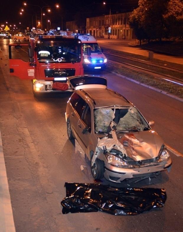 W wypadku na Rzgowskiej zginął 19-letni mężczyzna, a dwie inne osoby zostały ranne