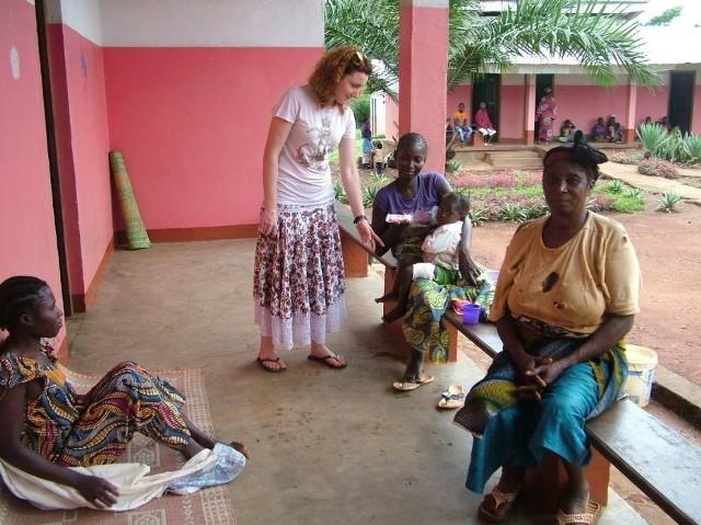 Za pieniądze kolędników w sercu Afryki powstał szpital dla Pigmejów, a kolejne zbiórki pomagają w pokryciu kosztów jego funkcjonowania