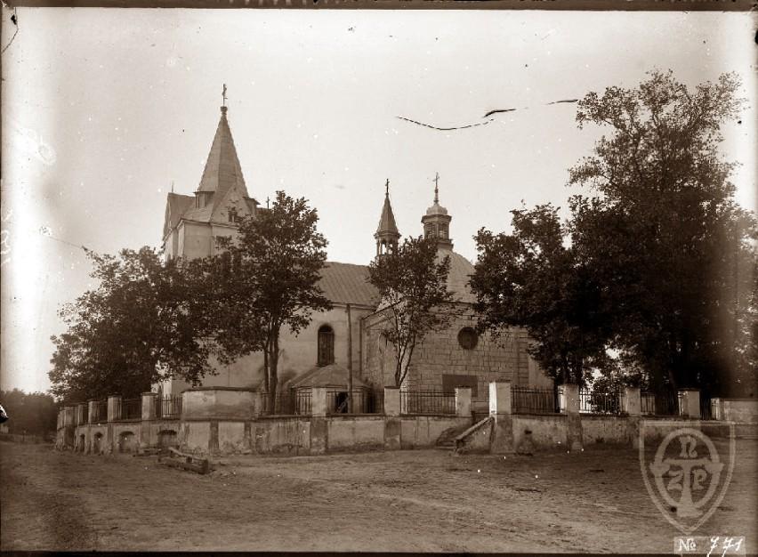 Lata 1900-1906, Kościół świętego Marcina w Pacanowie.