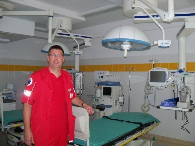 - Dotychczas, aby zrobić prześwietlenie, trzeba było przewieźć pacjenta do zakładu radiologii - mówi Ryszard Wileński, ordynator oddziału ratunkowego.