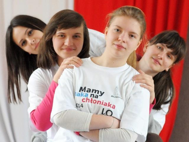 - Prosimy, badajcie się - mówią uczennice Liceum Ogólnokształcącego w Sulechowie.