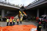 Łódzkie: To była katastrofa drogowa! Jeden błąd kierowcy sprowadził zagrożenie dla wielu osób
