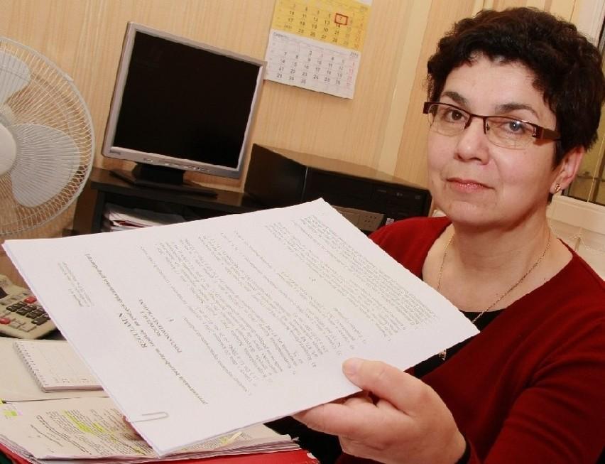 - Rozpatrując wnioski o dotacje kierowaliśmy się przepisami. A konkretnie regulaminem opracowanym i zatwierdzonym przez radę zatrudnienia - mówi Alina Kasperczak, wicedyrektor PUP w Międzychodzie.