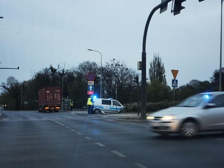 Do potrącenia doszło na rondzie Maczka w Bydgoszczy we wtorek, 28 kwietnia.