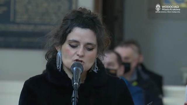 """Piosenka """"Czułe H2O"""" wykonana podczas uroczystości 120-lecia Wodociągów Krakowskich stała się ostatnio internetowych hitem."""