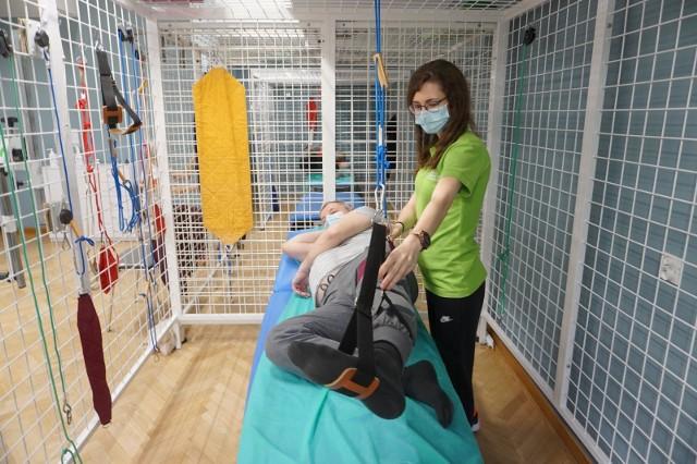 Rehabilitacja pocovidowa jest prowadzona już m.in. w szpitalach.