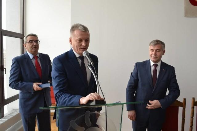 Zmiana układu sił spowodowała duże zmiany w proponowanym przez burmistrza Włodzimierza Żaka budżecie i związanej z nią Wieloletniej Prognozy Finansowej