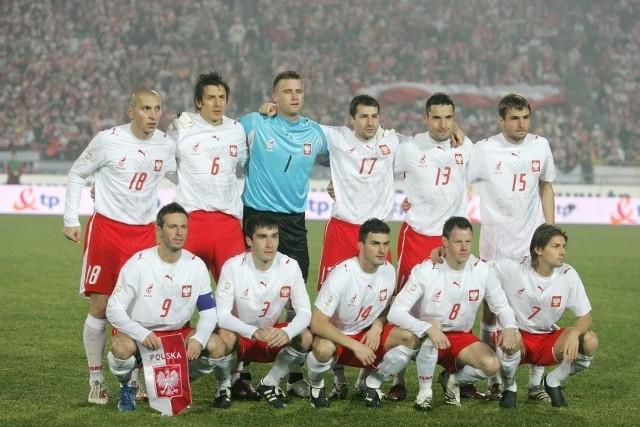 To był piękny wieczór na starym Stadionie Śląskim w Chorzowie. 17 listopada 2007 roku reprezentacja Polski prowadzona przez Leo Beenhakkera pokonała Belgię (2:0) po dublecie Euzebiusza Smolarka i po raz pierwszy w historii awansowała na mistrzostwa Europy. Pamiętacie, w jakim wówczas składzie wystąpili biało-czerwoni?