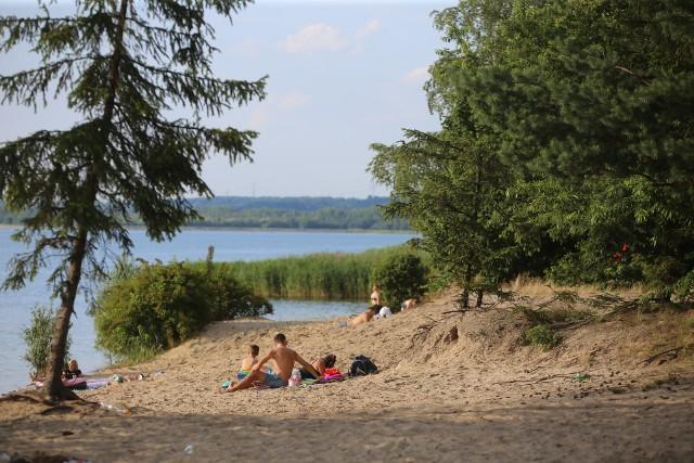 Zbiornik Dzieckowice jest rezerwuarem wody pitnej. Zobacz kolejne zdjęcia. Przesuwaj zdjęcia w prawo - naciśnij strzałkę lub przycisk NASTĘPNE