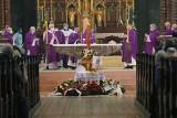 Pożegnanie biskupa Gerarda Kusza w gliwickiej katedrze. Kardynał Nycz: Biskup Gerard był katechetą z ducha