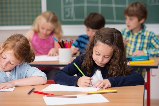 Uwaga rodzice! Zamknęli szkołę i musicie się zaopiekować dzieckiem? Dostaniecie za ten czas zasiłek