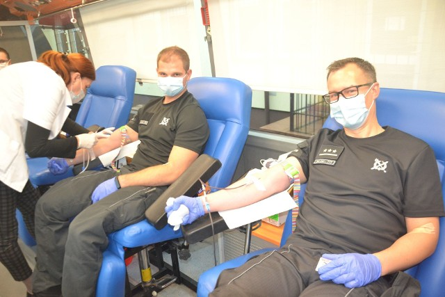 Funkcjonariusze z Żytkowic w ostatniej akcji oddali 4950 mililitrów krwi.