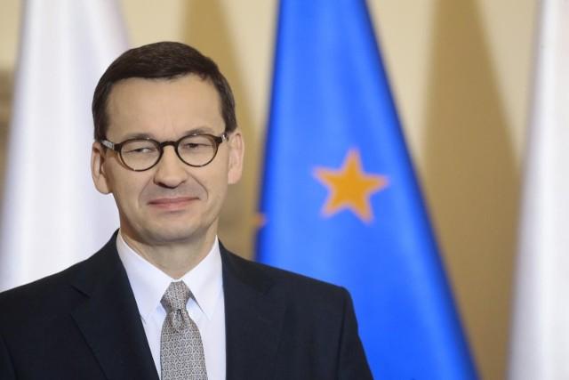 Premier Mateusz Morawiecki przekazał, że rząd chce uruchomić szczepienia przeciwko koronawirusowi dla wszystkich osób powyżej 18. roku życia.