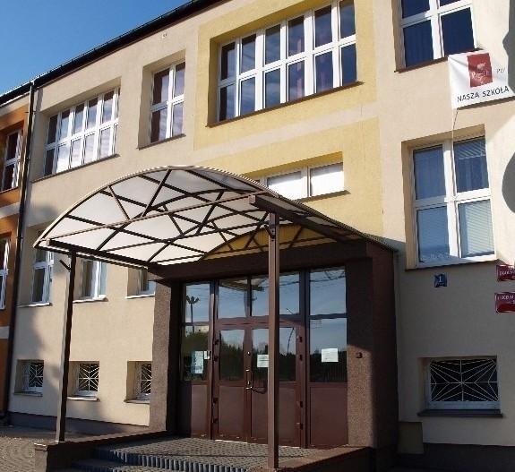 Uczniowie LO im. Stefana Żeromskiego w Ozorkowie organizują zbiórkę krwi dla swojej koleżanki