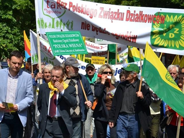 W środę we wszystkich miastach wojewódzkich działkowcy walczyli o poparcie dla swojego projektu