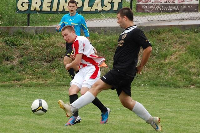 Strumyk Malawa pokonał na swoim boisku Resovię II 2-0.