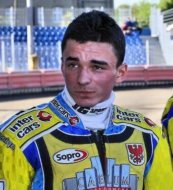 Paweł Zmarzlik dwa razy minął linię mety na pierwszej pozycji