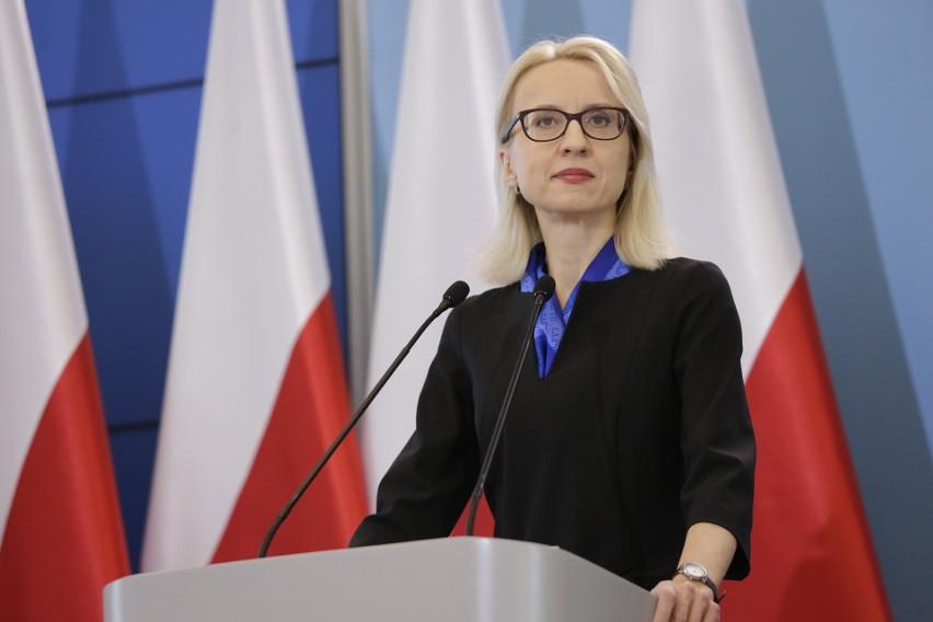 Minister finansów Teresa Czerwińska chciała odejść z rządu? Premier miał nie zgodzić się na dymisję. Rzecznik dementuje