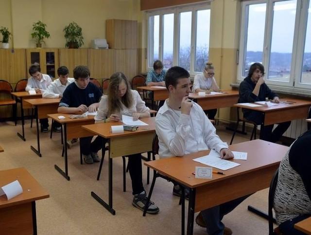 Egzamin Gimnazjalny 2014/2015 z OPERONEM - część humanistyczna