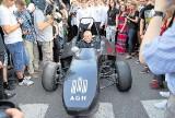 Nowoczesny bolid z  Krakowa jeździ po  torach wyścigowych Europy