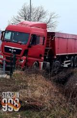 Wypadek w Strzelinie. Zderzenie ciężarówki i auta osobowego, policja ustala przyczyny