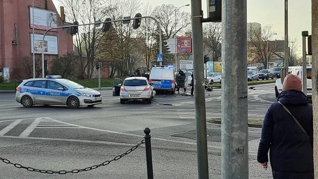Do zderzenia doszło na skrzyżowaniu ulicy Moniuszki z aleją Konstytucji 3 Maja.