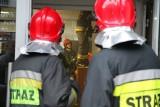 Pożar mieszkania w Luboniu. Jedna osoba ranna została zabrana do szpitala