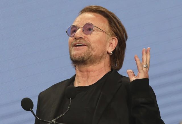 """Koronawirus: Bono, lider grupy U2, zaśpiewał balladę w hołdzie ofiarom koronawirusa we Włoszech. Utwór ma tytuł """"Let Your Love Be Known"""""""